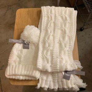 Peacocks Accessories White Hat & Scarf Set NWT